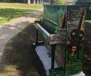 Piano public du Centre culturel Georges P. Vanier