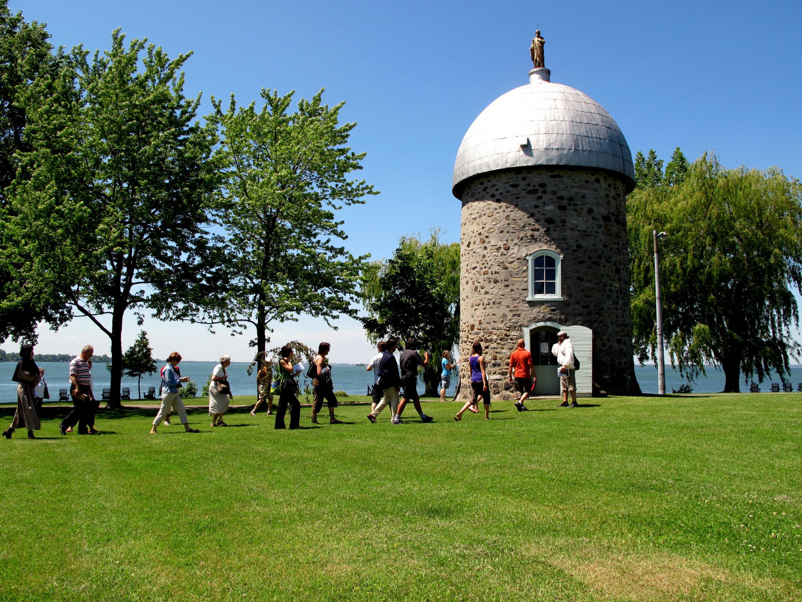 Tour du moulin de l'Ile Saint-Bernard