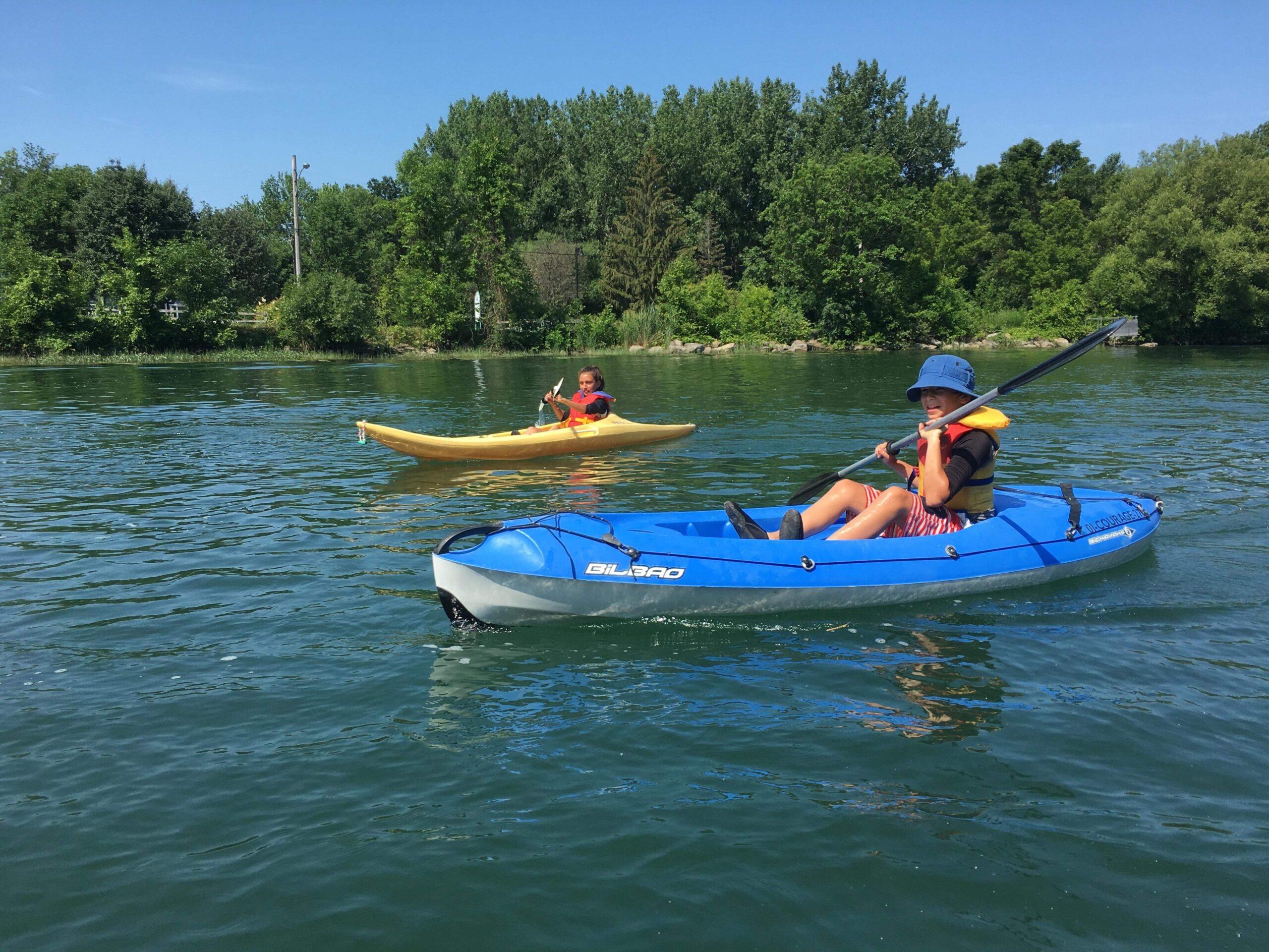 gens qui font du kayak